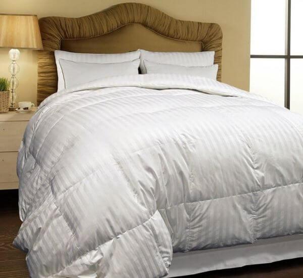 Hotel-Grand-500-Thread-Count-Oversized-All-season-White-Siberian-Down-Comforter