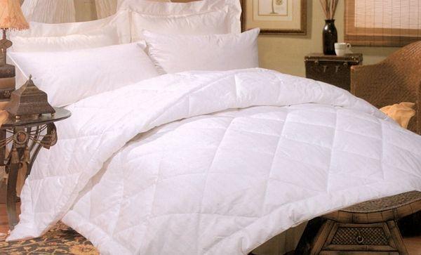 Silk-filled-Damask-Stripe-Comforter