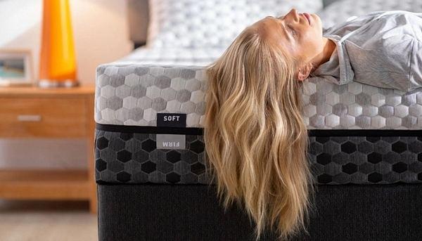 A-soft-mattress-and-a-firm-mattress