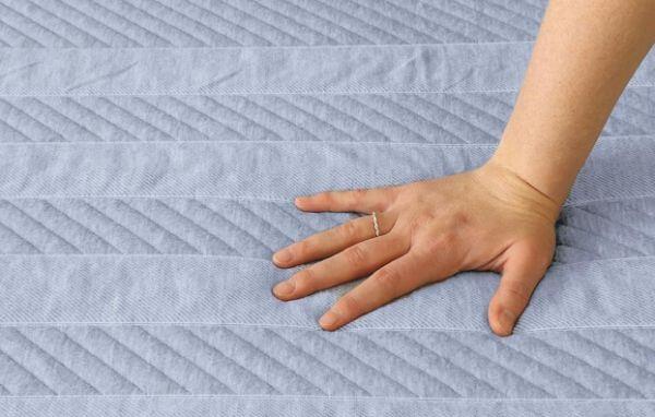Leesa-Studio-mattress-firmness-feel