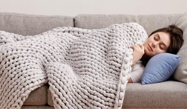 Bearaby-Napper-Weighted-Blanket